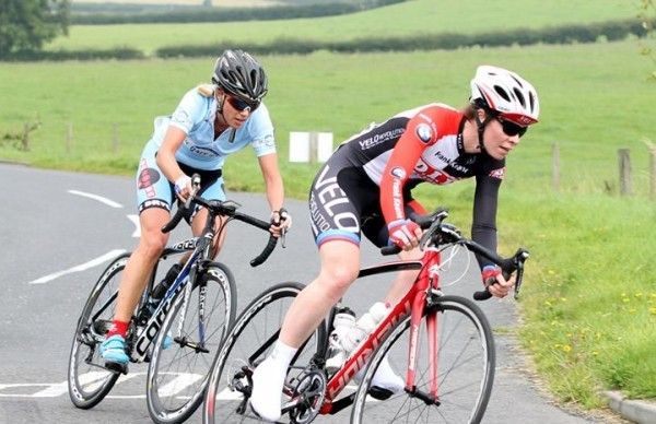 Grace Young, de Ronde van Cork, in pursuit of Aideen Keenan and the National League title