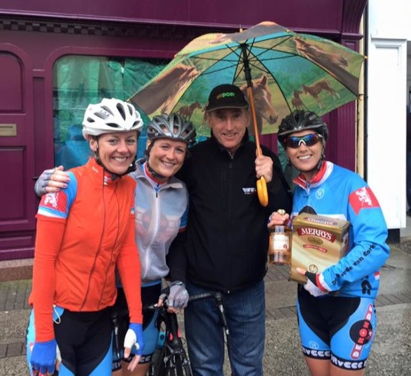 Grace Young and her de Ronde van Cork clubmates ; )